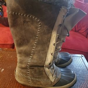 Sorel waterproof winter boots